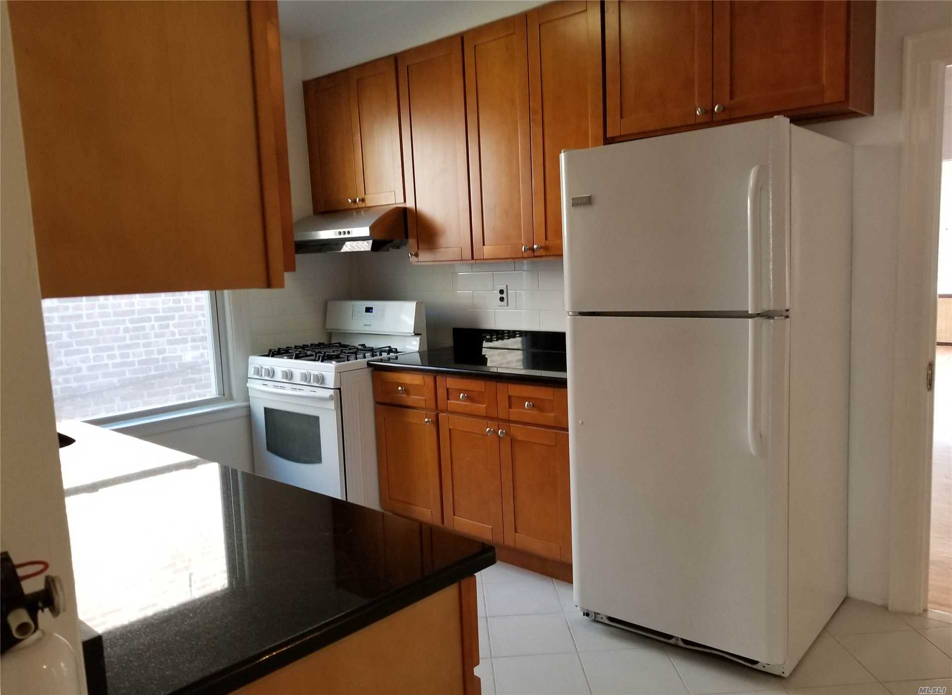 Residential For Rent in 33-46 28th St, Long Island City, NY ,11106
