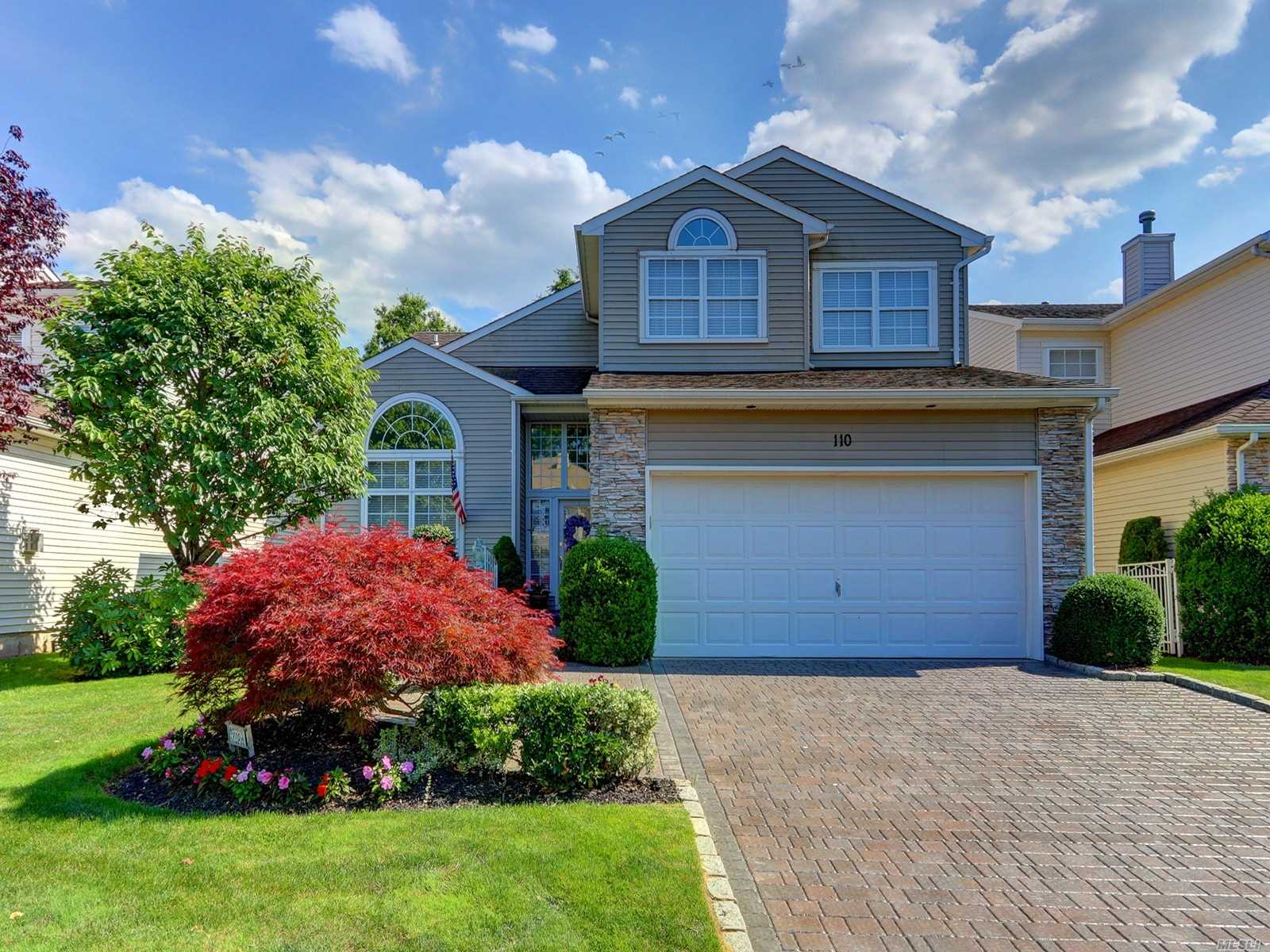 Condominium for sale in 110 Windwatch Dr, Hauppauge, NY ,11788