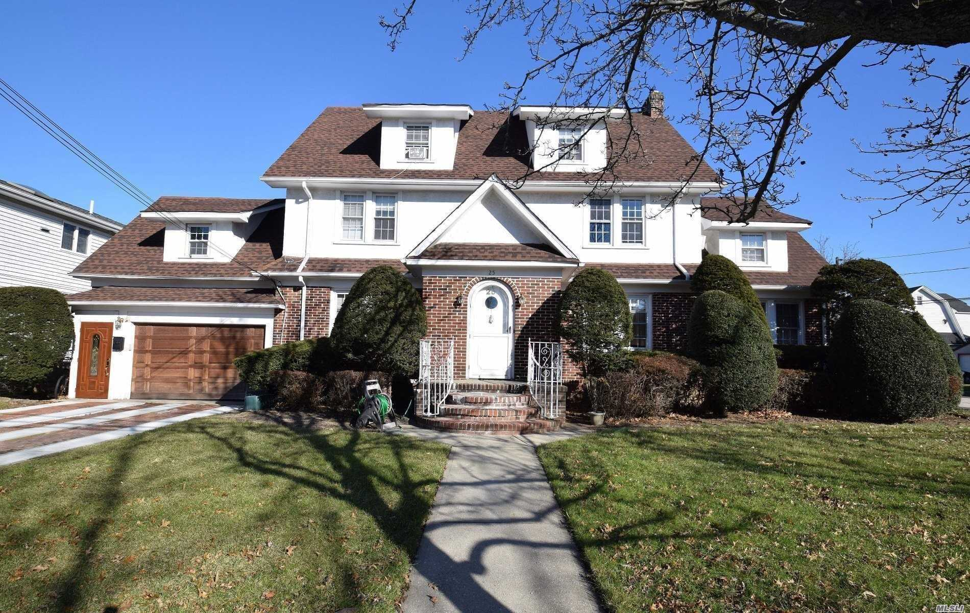 Residential For Sale in 25 Abrams Pl, Lynbrook, NY ,11563