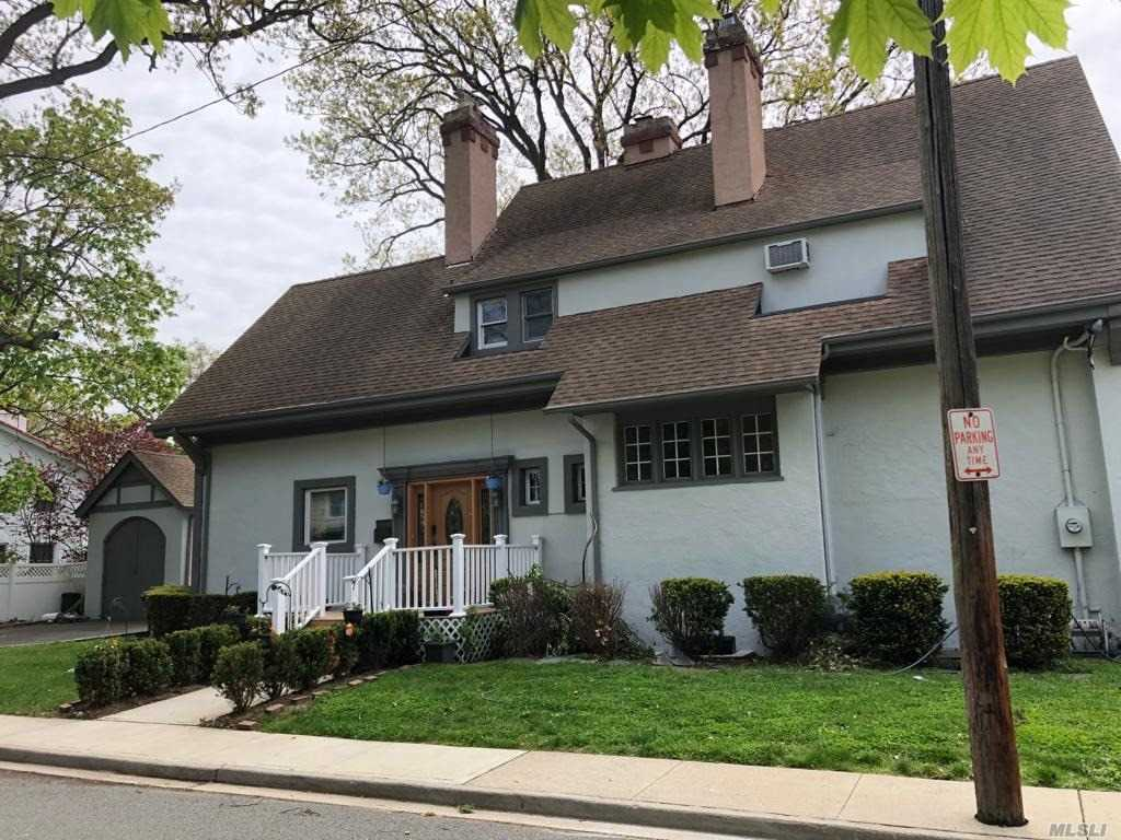 Residential For Sale in 128 Park St, Woodmere, NY ,11598