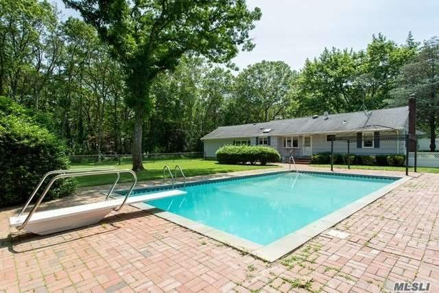 Residential For Sale in 75 Mount Sinai Ave, Mt. Sinai, NY ,11766