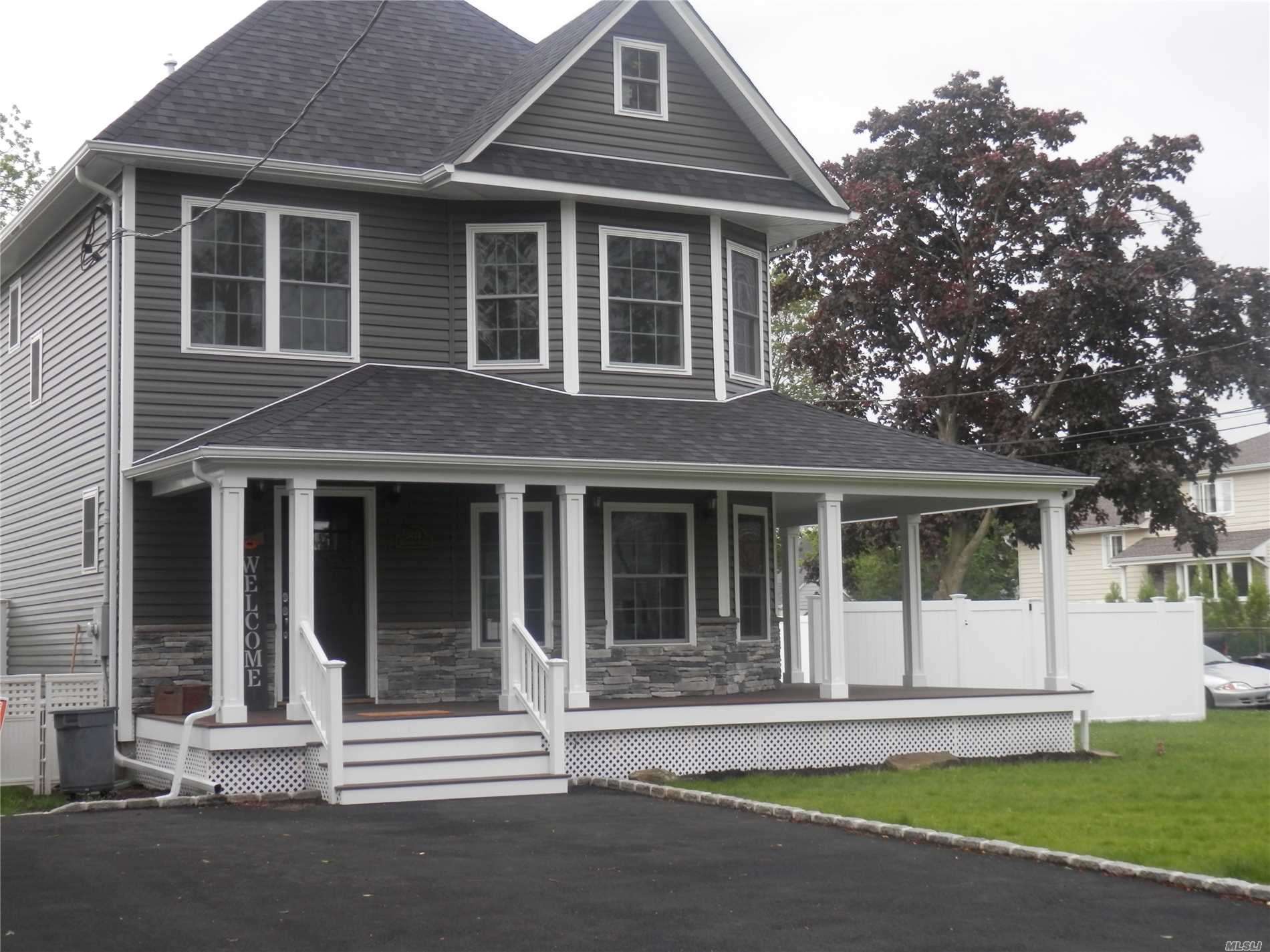 Residential For Sale in 3434 Edgerton Ave, Wantagh, NY ,11793