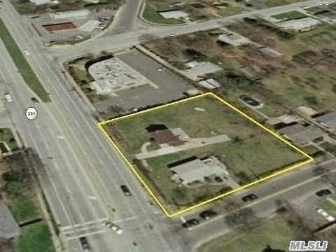 Land for sale in 2097 Deer Park Ave, Deer Park, NY ,11729