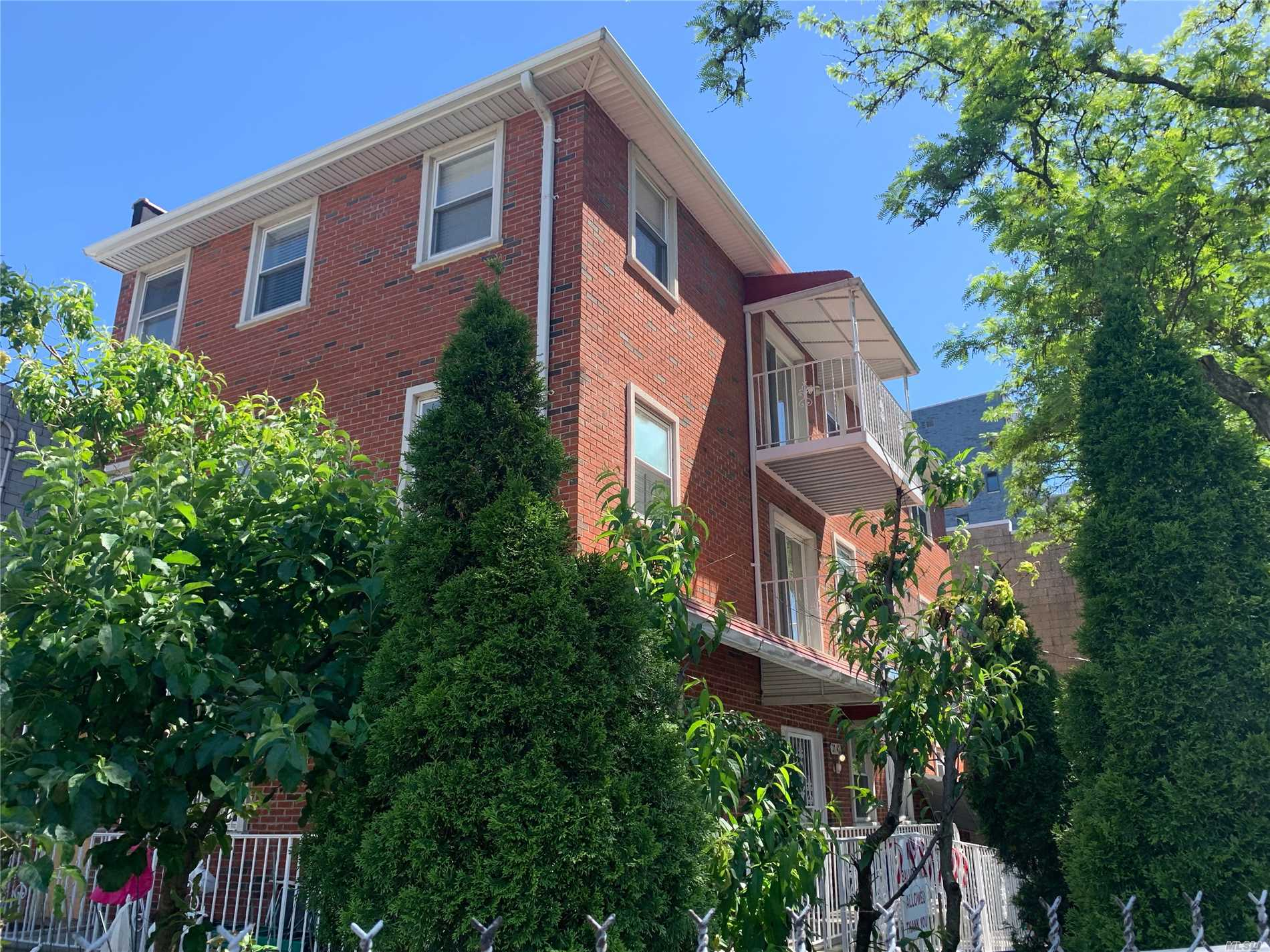 Residential For Sale in 31-41 12th St, Long Island City, NY ,11106