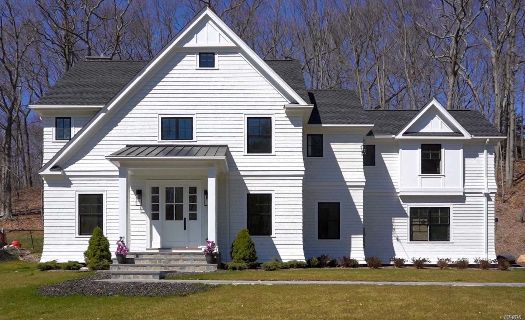Residential For Sale in 9 Goose Hill Rd, Cold Spring Hrbr, NY ,11724