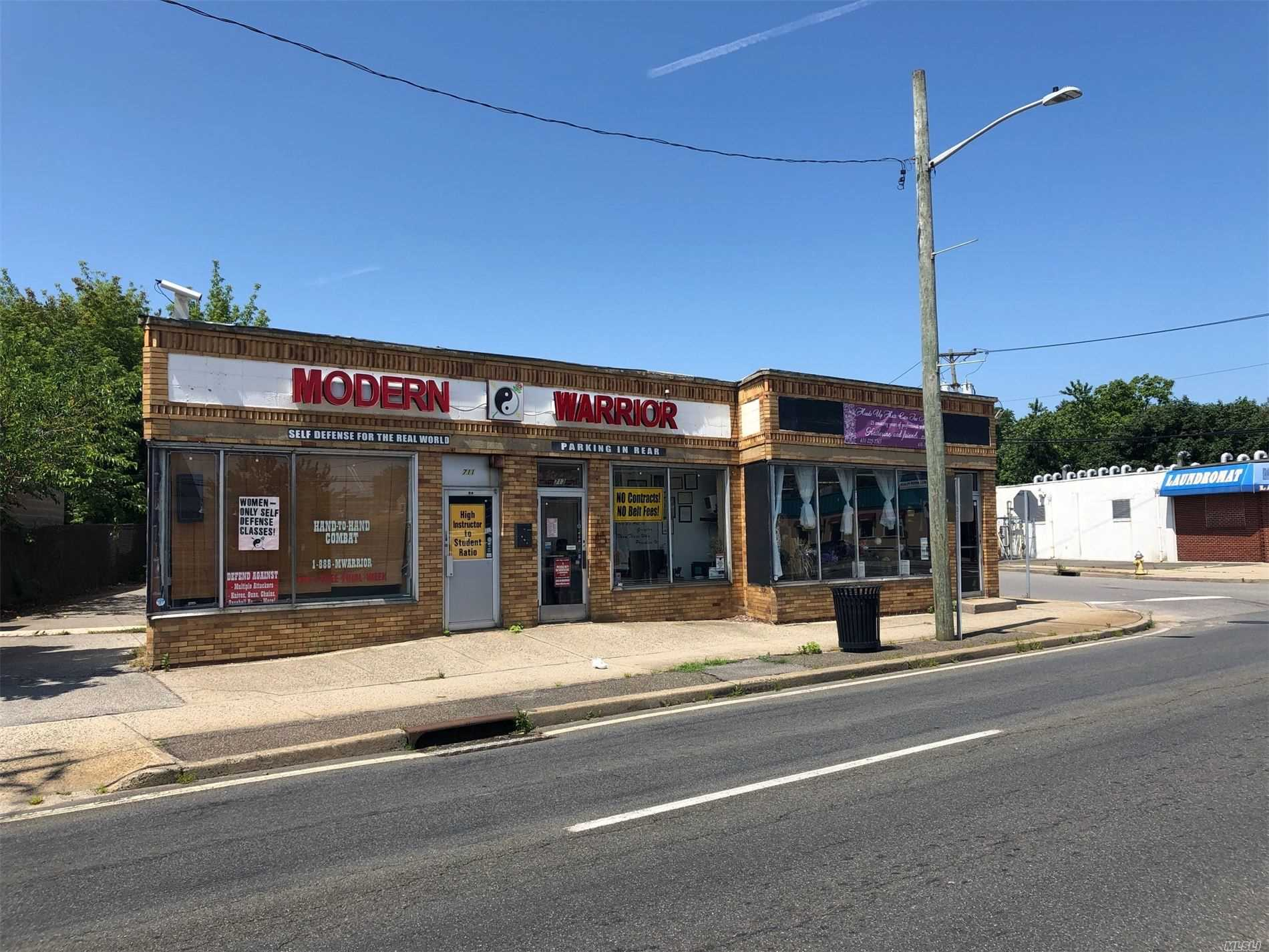 Commercial for sale in 711-715 Wellwood N Ave, Lindenhurst, NY ,11757