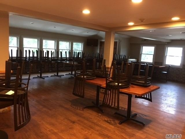 Commercial for sale in 91 Howells Hwy, Brightwaters, NY ,11718