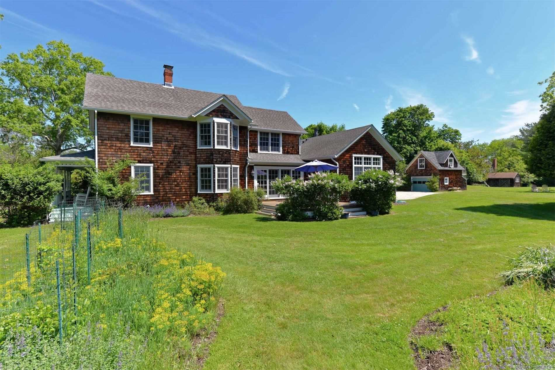 Residential For Sale in 7 Baldwin Road, Shelter Island, NY ,11964