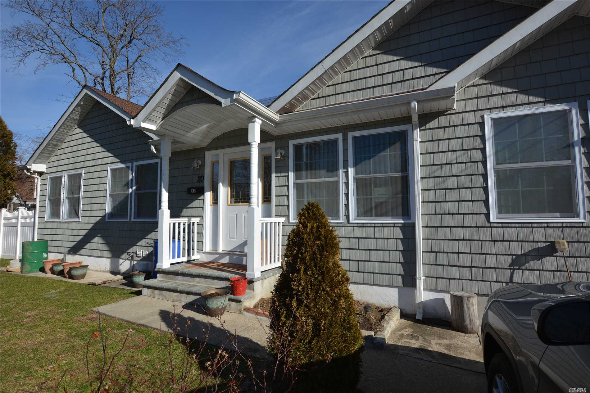 Residential For Sale in 20 Rossmore Ave, Central Islip, NY ,11722