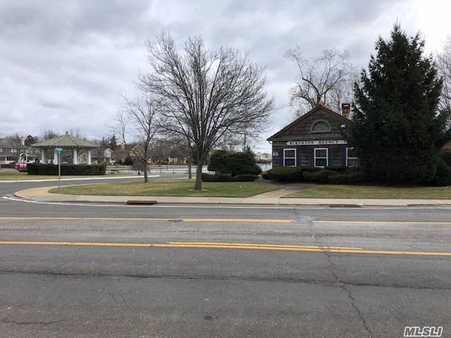 Commercial for sale in 45 Country S Rd, Brightwaters, NY ,11718