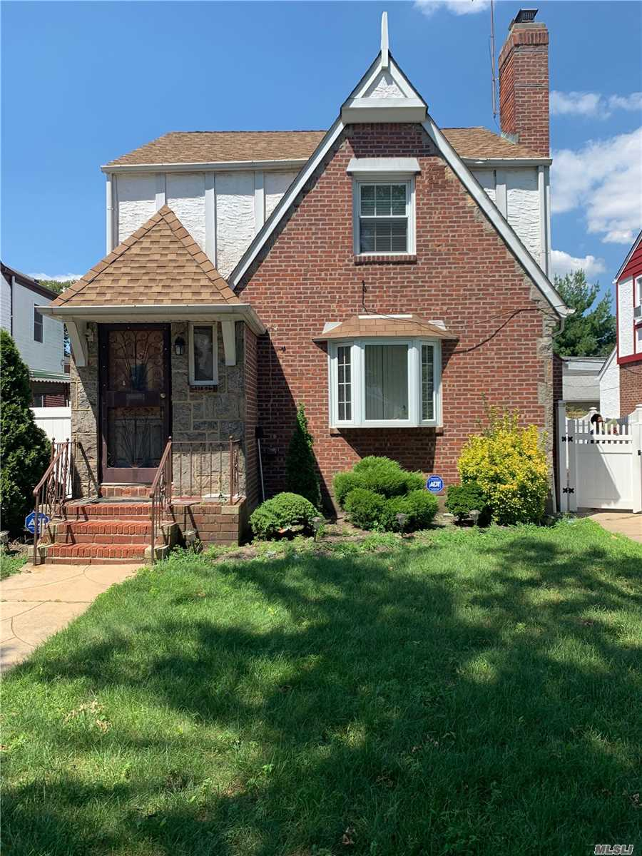 Residential For Sale in 118-06 221 St, Cambria Heights, NY ,11411