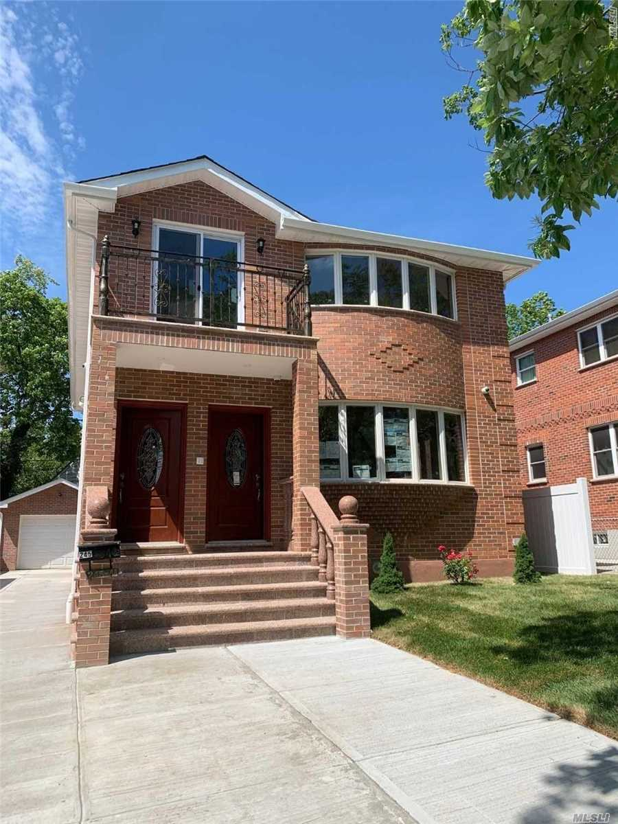Residential For Sale in 245-41 61 Ave, Little Neck, NY ,11362
