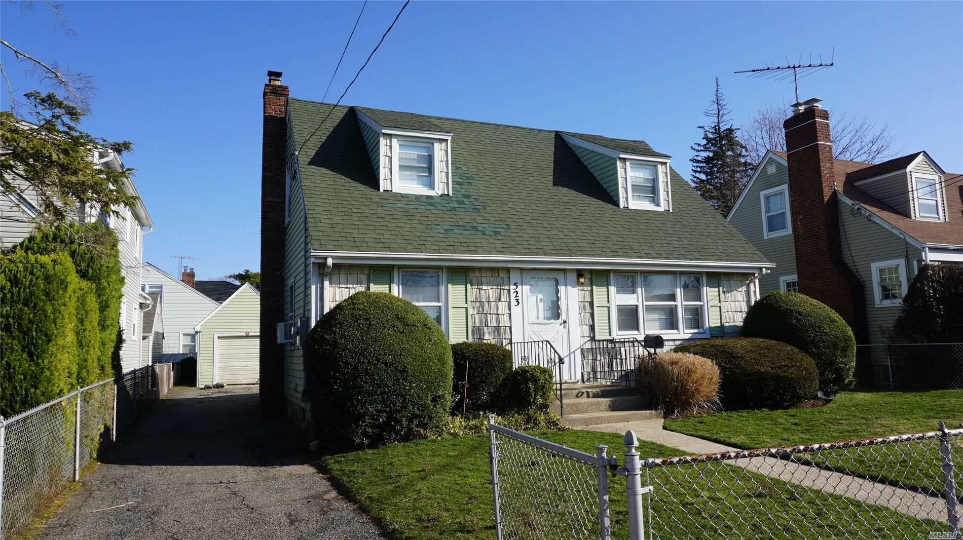 Residential For Sale in 523 Cedar Street, Uniondale, NY ,11553