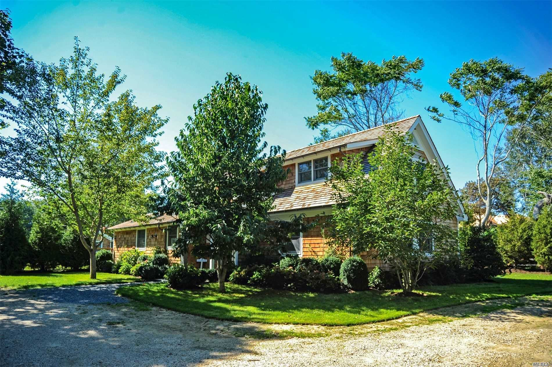 Residential For Rent in 16 Indian Wells Hwy, Amagansett, NY ,11930