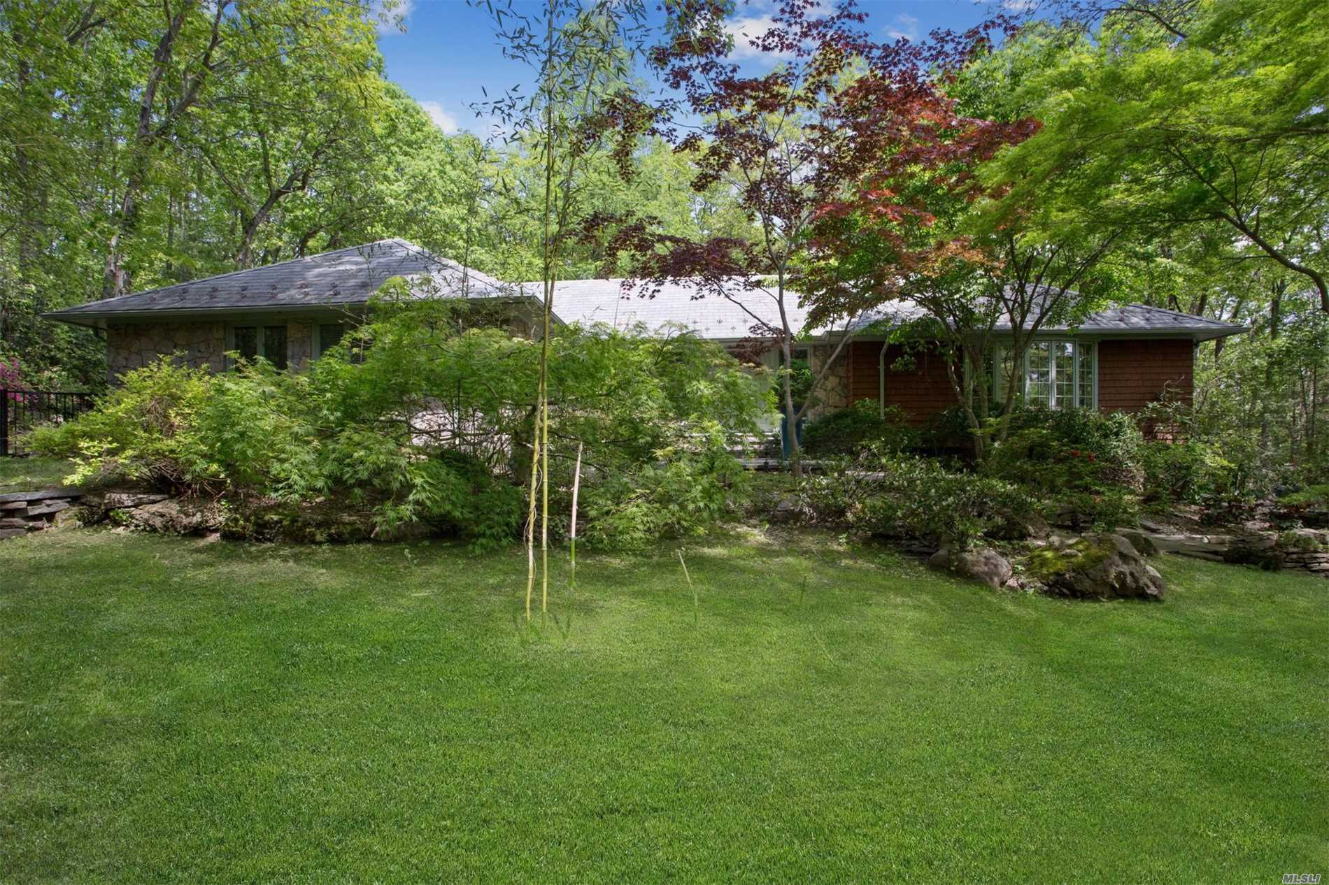 Residential For Sale in 23 Glendale Dr, Oyster Bay Cove, NY ,11771