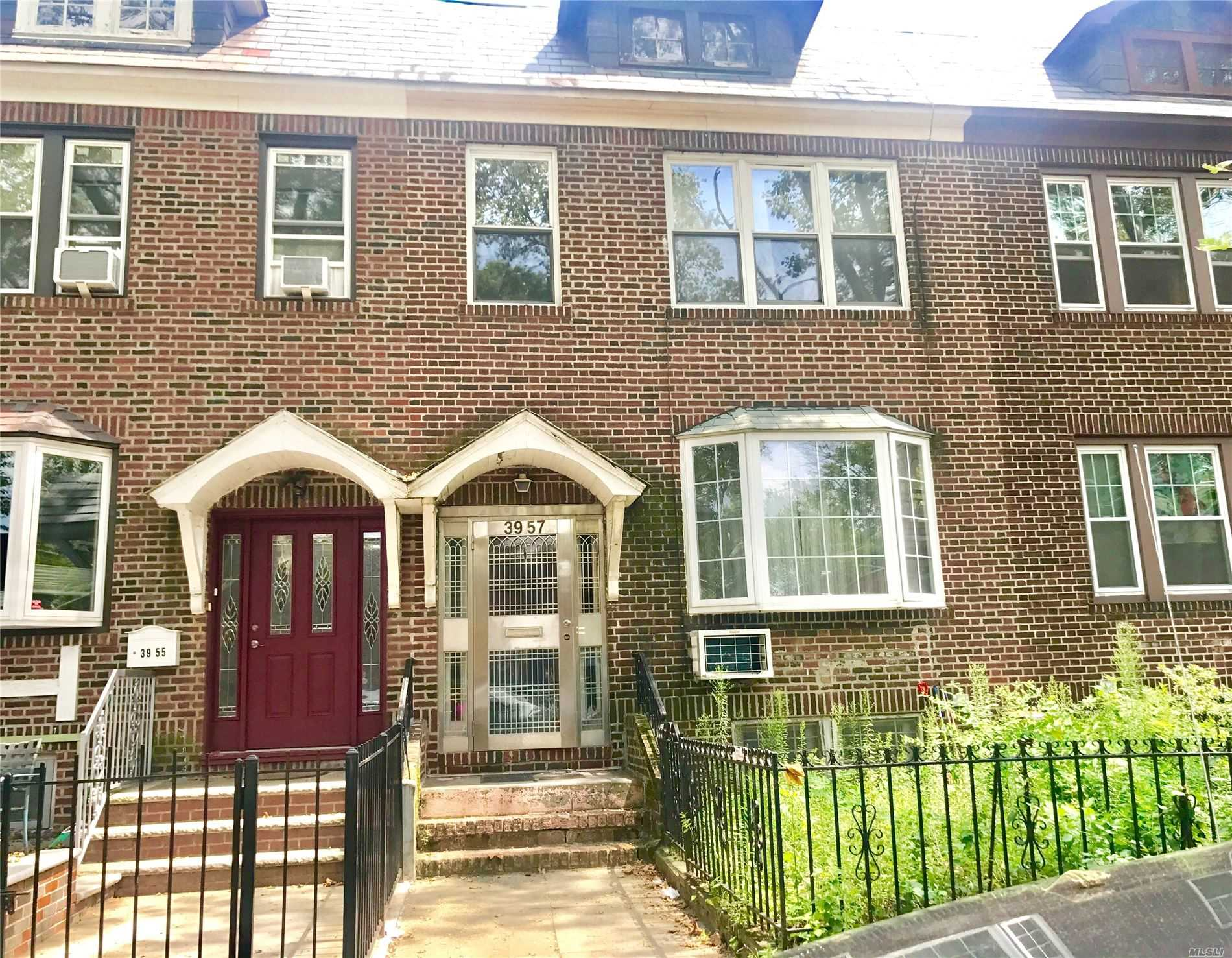 Residential For Sale in 3957 49th St, Sunnyside, NY ,11104