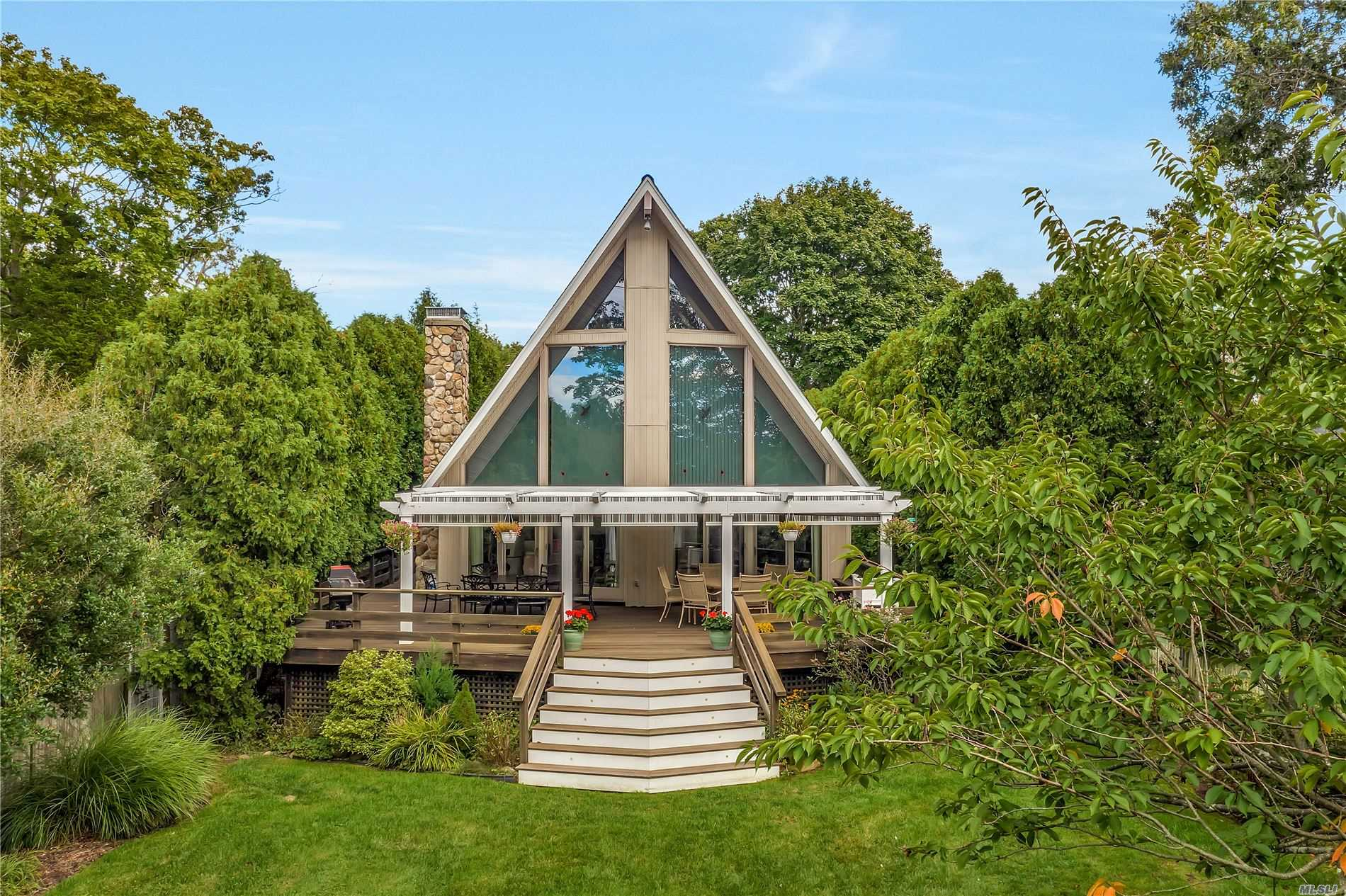 Residential For Sale in 88-D Union Ave, Center Moriches, NY ,11934