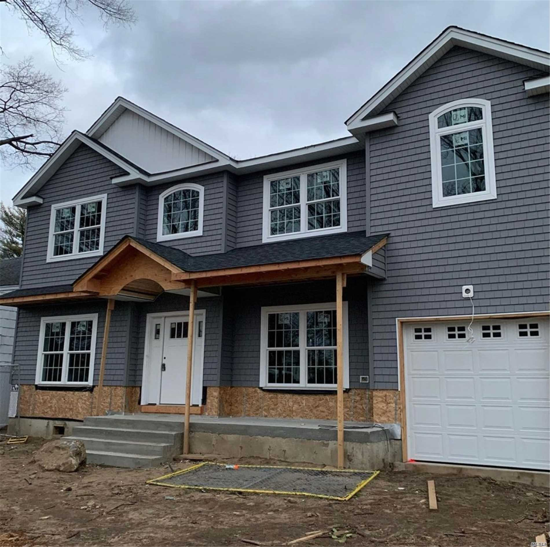 Residential For Sale in 1099 Duston Road, N. Woodmere, NY ,11581