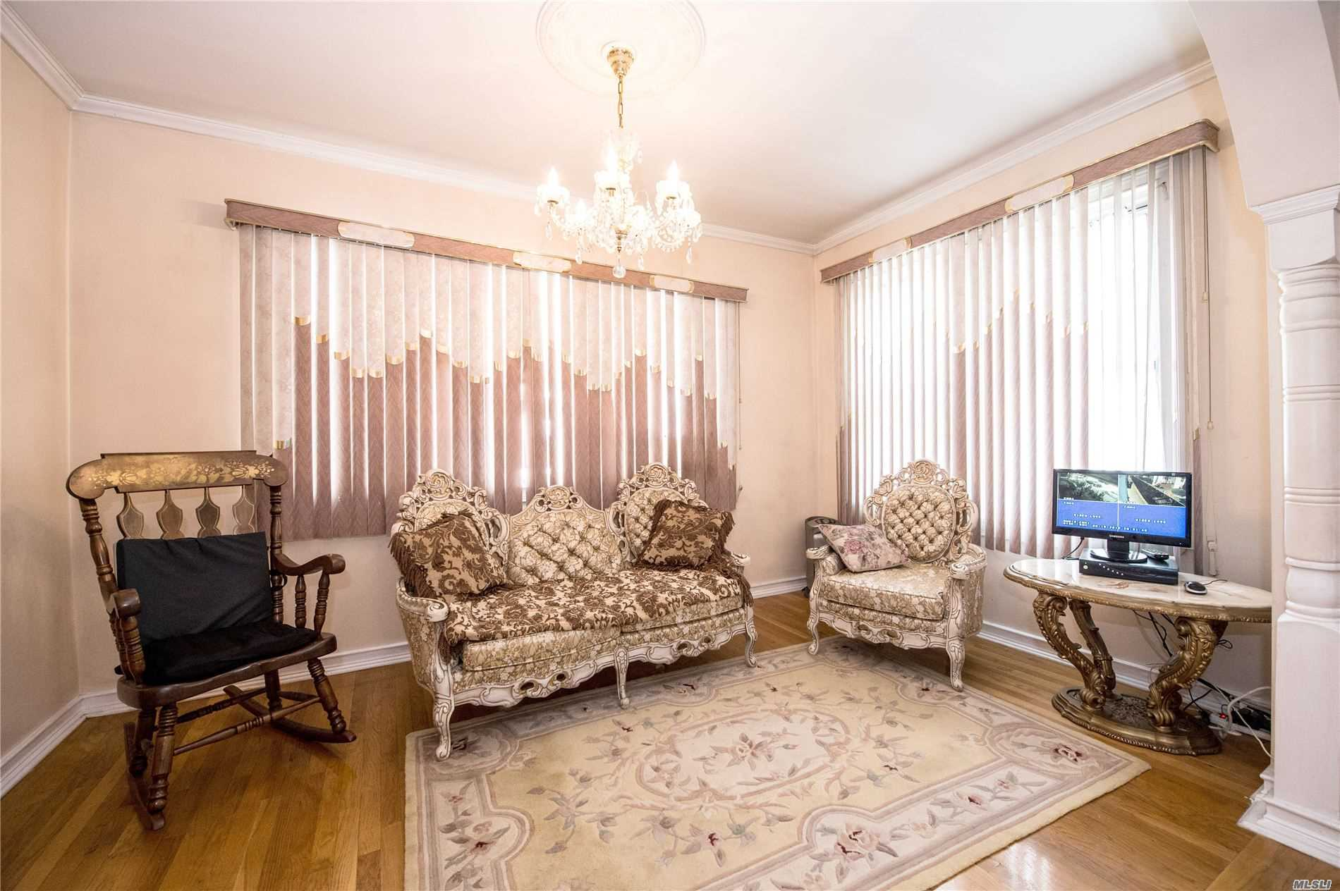 Residential For Sale in 101-18 132nd St, Richmond Hill S., NY ,11419