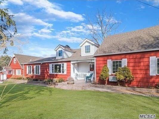 Residential For Sale in 11 Miller Place Yap Rd, Middle Island, NY ,11953