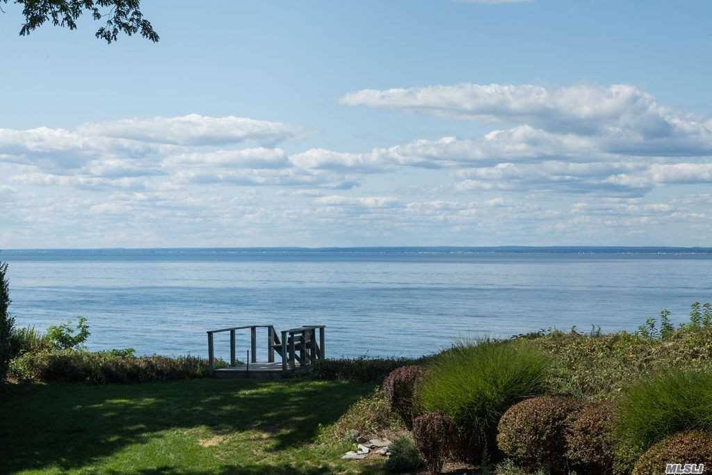 Residential For Sale in 2830 Grandview Dr, Orient, NY ,11957