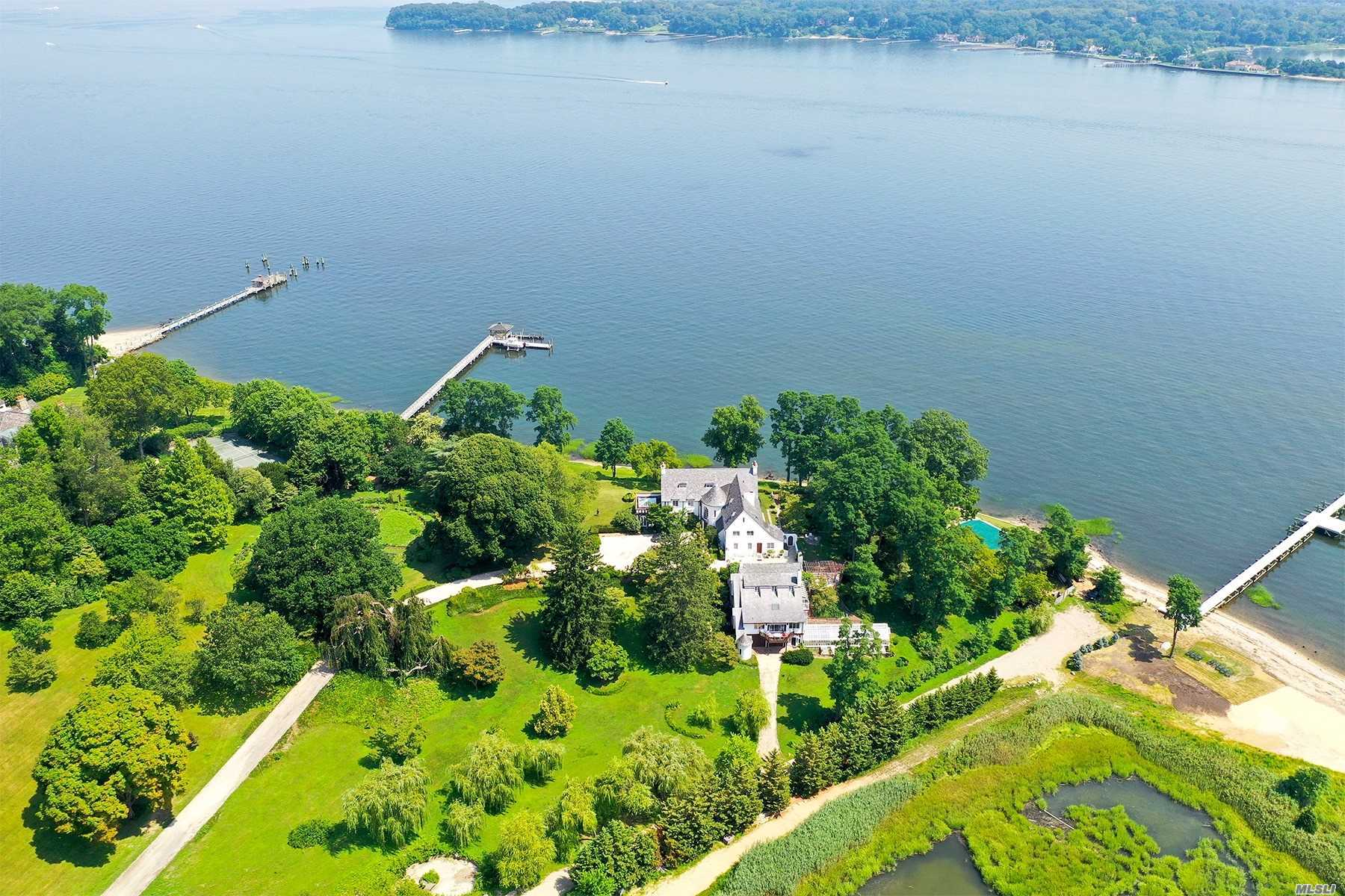 Residential For Sale in 229 Dock Lane, Great Neck, NY ,11024