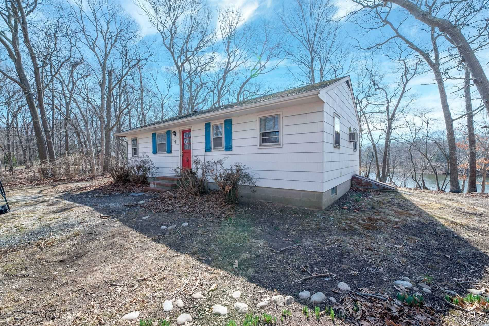 Residential For Sale in 510 Trumans Path, East Marion, NY ,11939