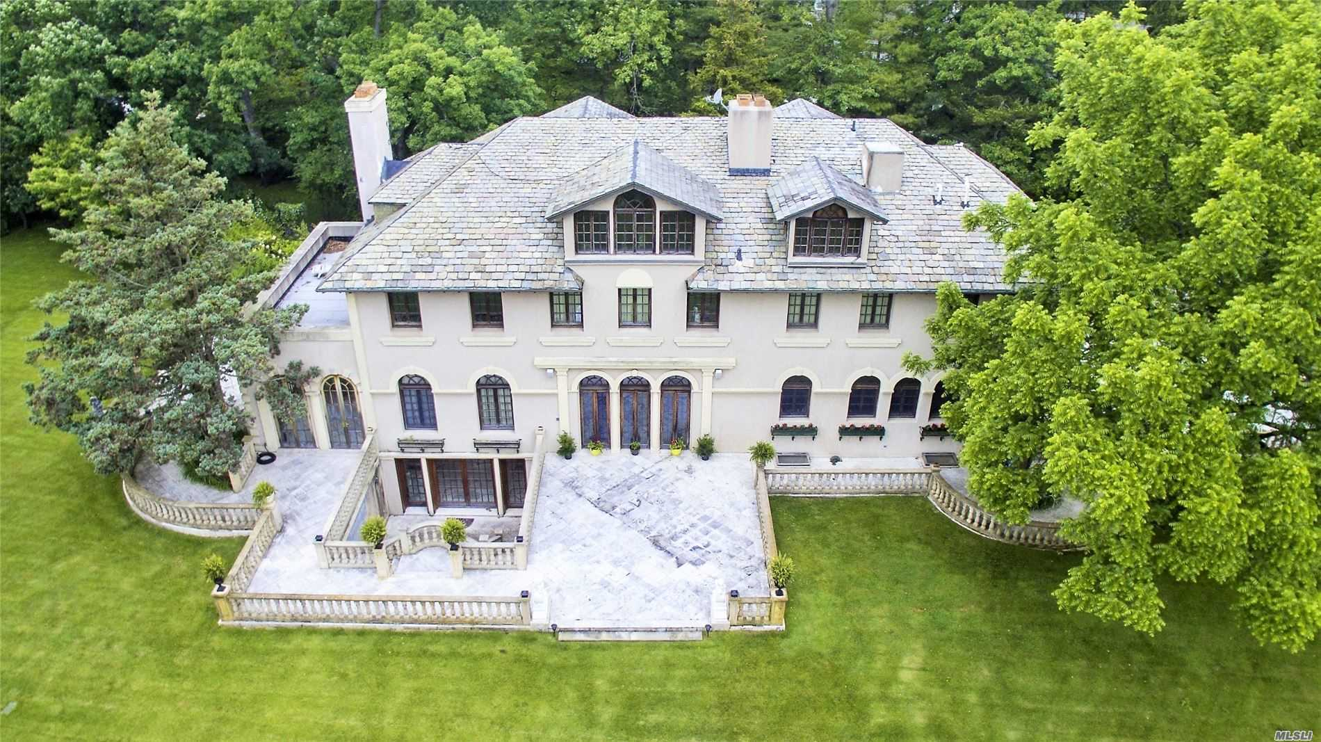 Residential For Sale in 220 Woodside Dr, Hewlett Bay Park, NY ,11557