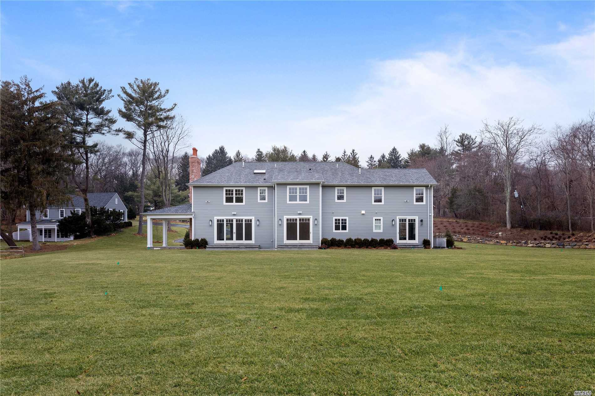 Residential For Sale in 365 Split Rock Rd, Syosset, NY ,11791