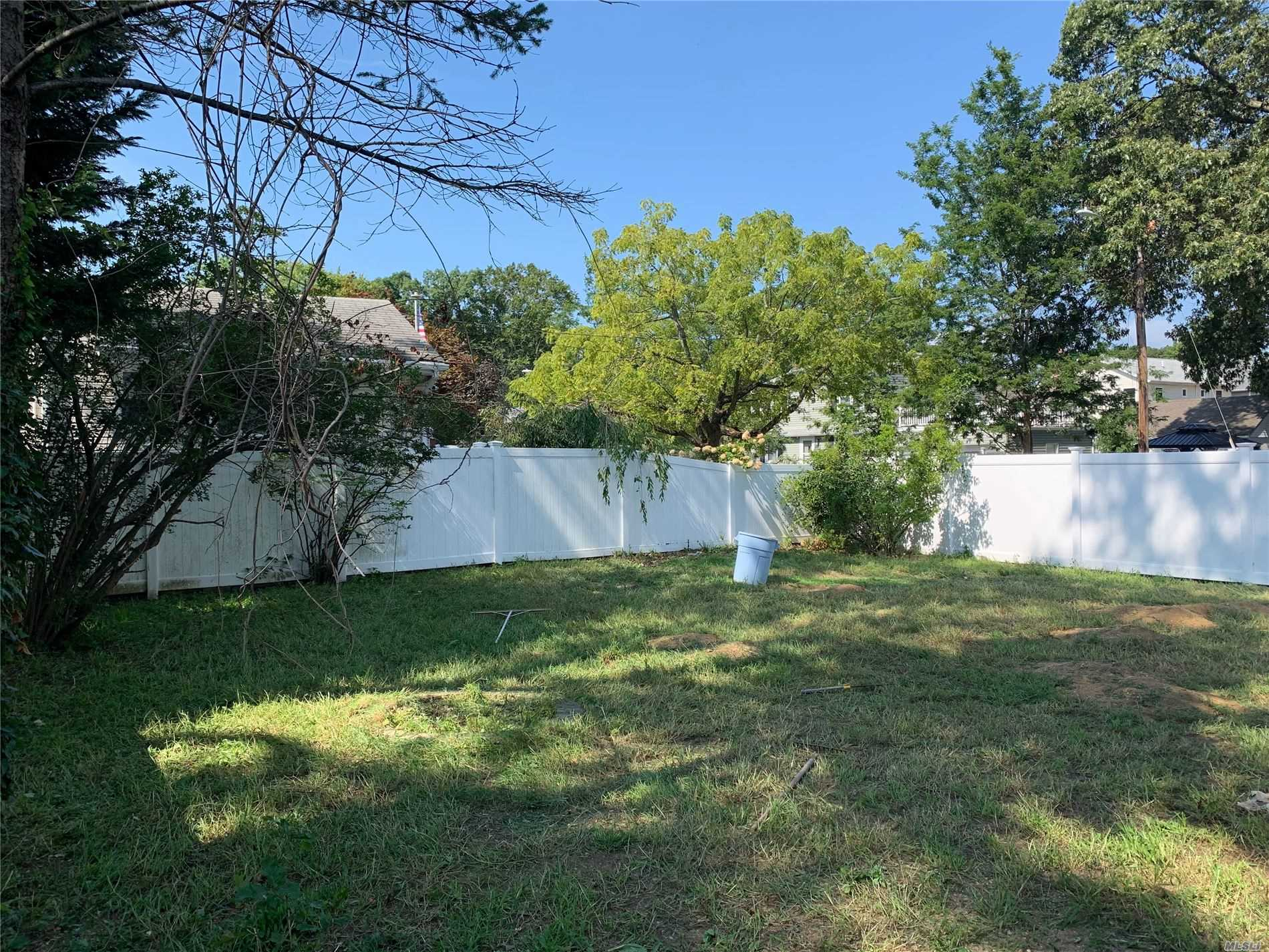 Residential For Sale in 101 Webster St, Merrick, NY ,11566