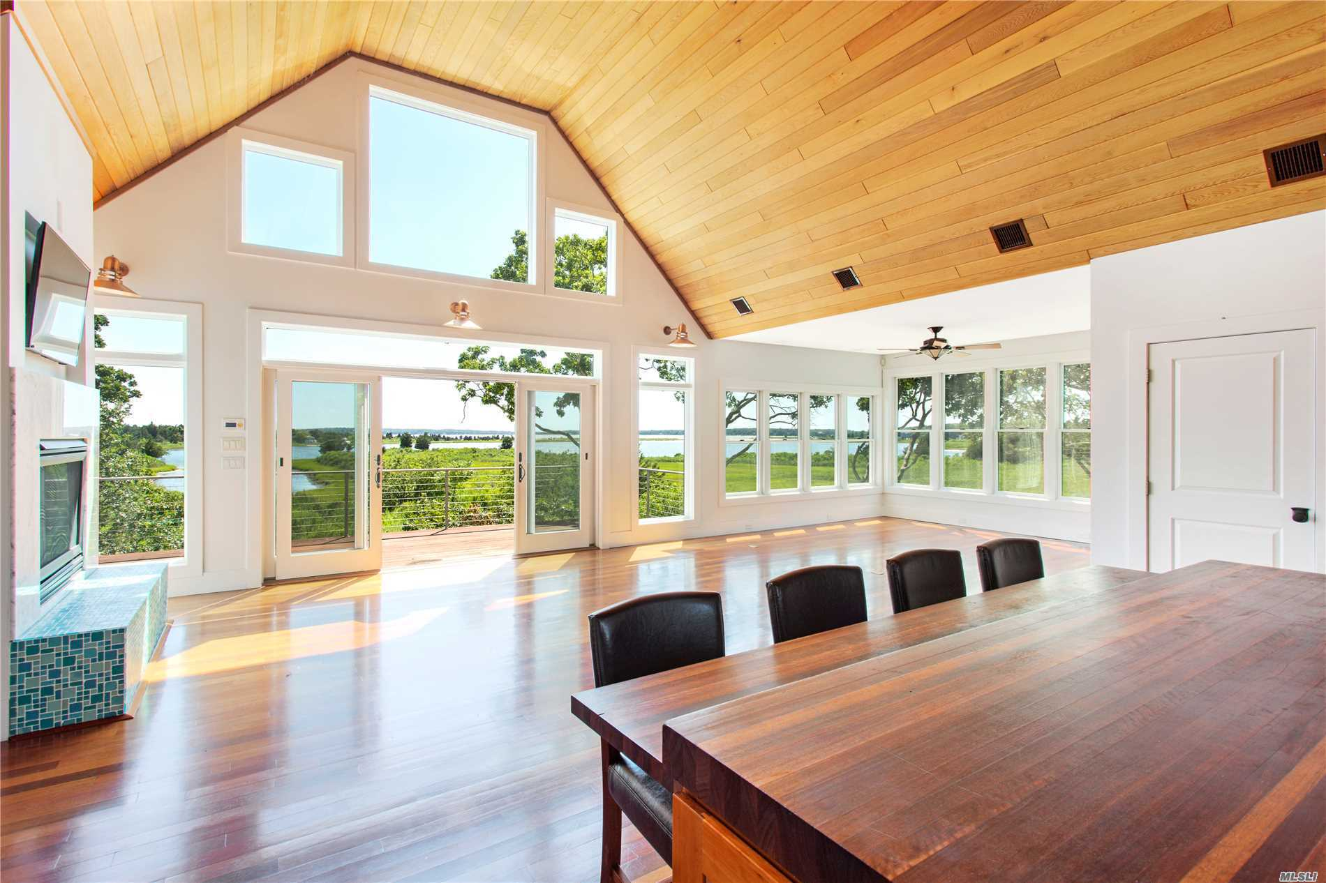 Residential For Sale in 9326 Main Bayview Rd, Southold, NY ,11971