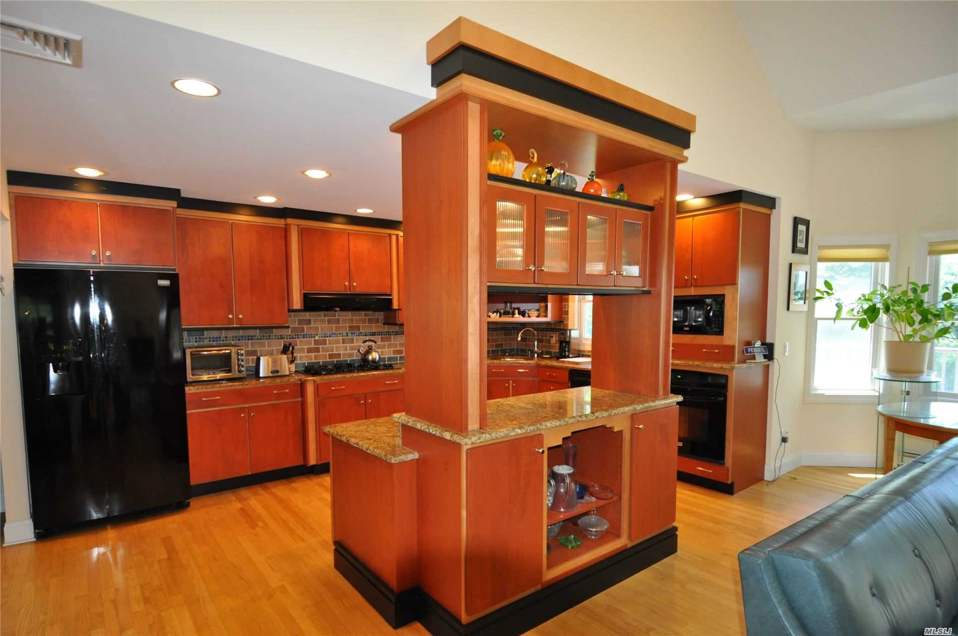 Residential For Sale in 8 Egret Way, Center Moriches, NY ,11934