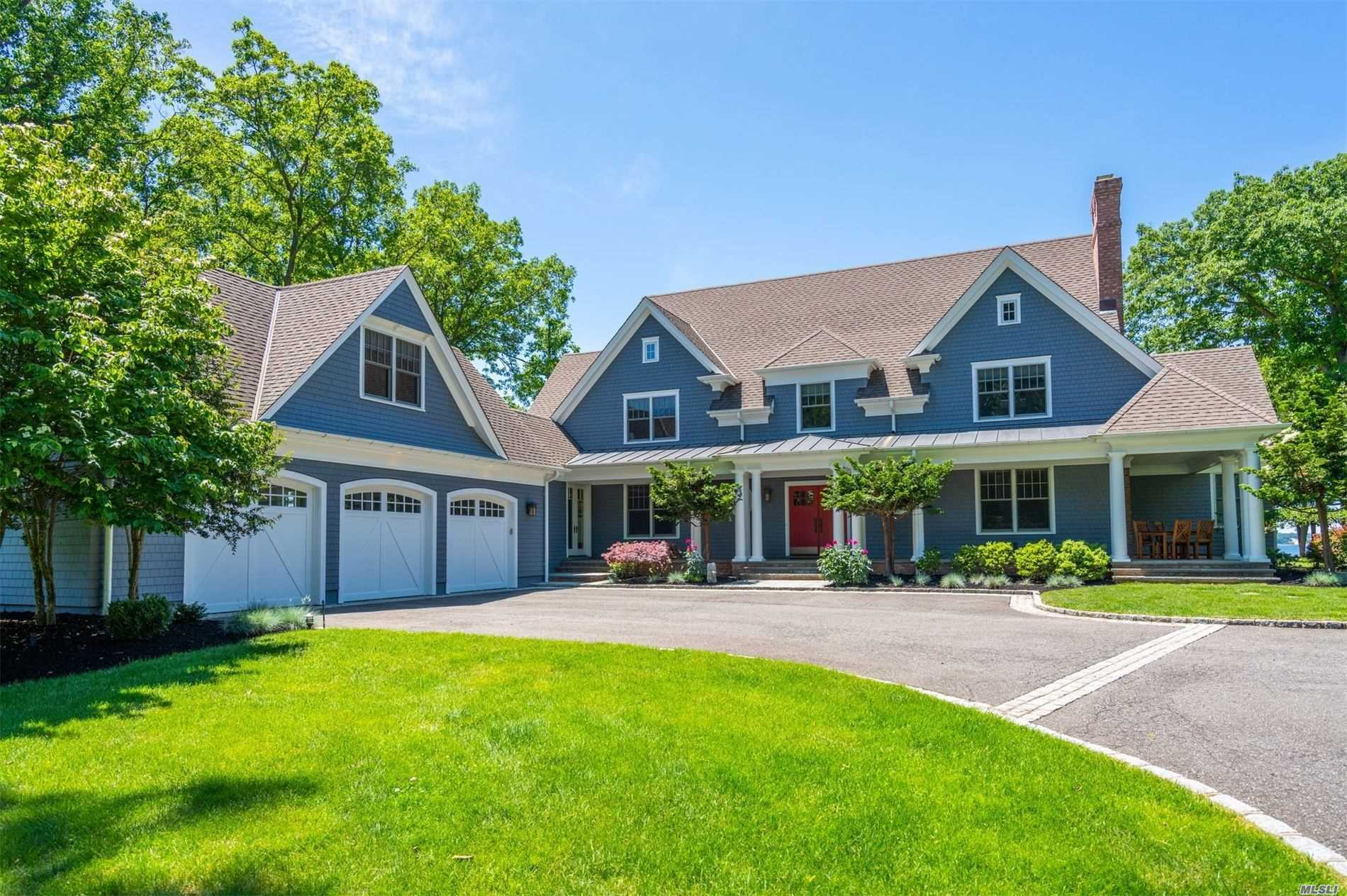 Residential For Sale in 306 Old Orchard Court, Northport, NY ,11768