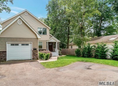 Residential For Sale in 116 6th St, St. James, NY ,11780