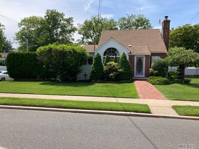 Residential For Sale in 52 So Cherry Valley Avenue, W. Hempstead, NY ,11552