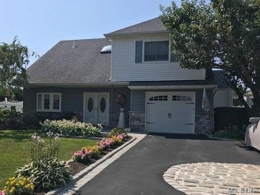 Residential For Sale in 321 Lagoon Drive S, Copiague, NY ,11726