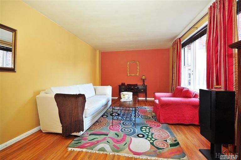Residential For Sale in 91 Van Cortlandt Avenue W, Bronx, NY ,10463