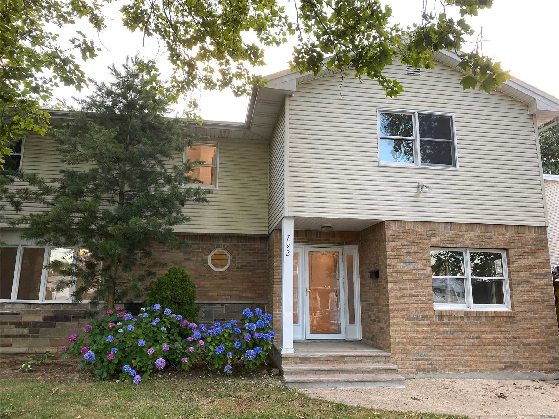 Residential For Sale in 792 Maple Place, W. Hempstead, NY ,11552