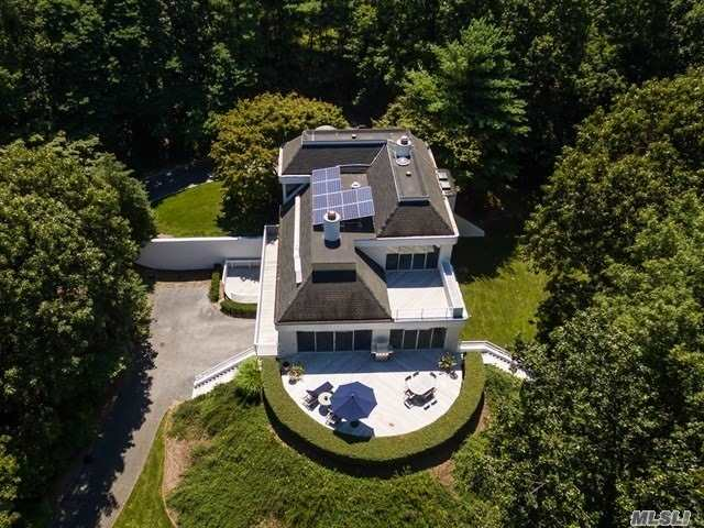 Residential For Sale in 9 Pheasant Run, Nissequogue, NY ,11780