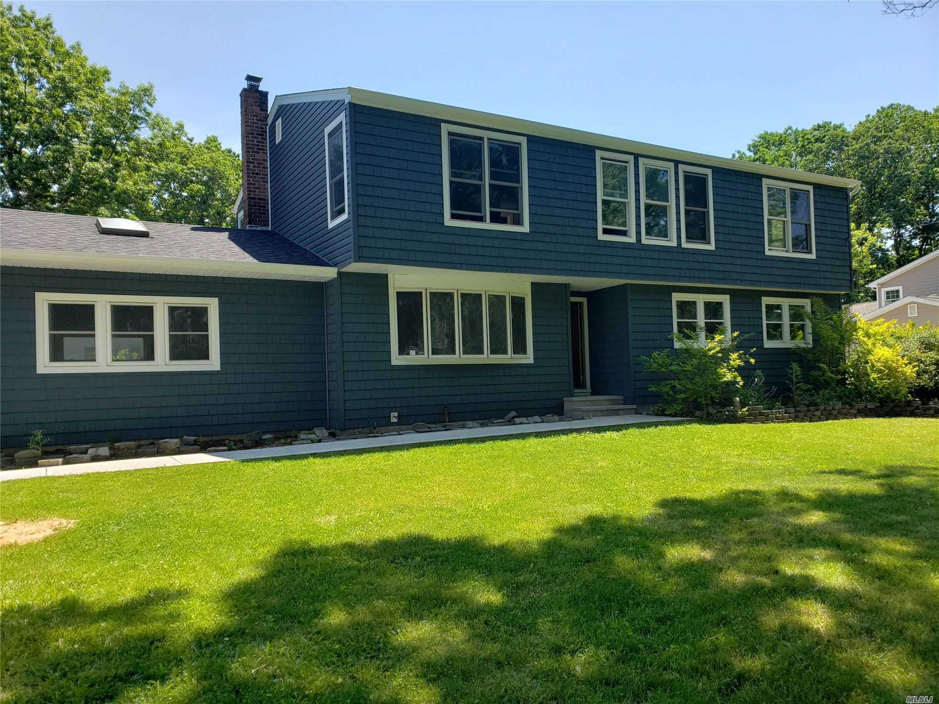 Residential For Sale in 1189 Terry Rd, Ronkonkoma, NY ,11779