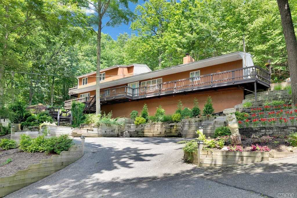 Residential For Sale in 485 Harbor Road, Cold Spring Hrbr, NY ,11724