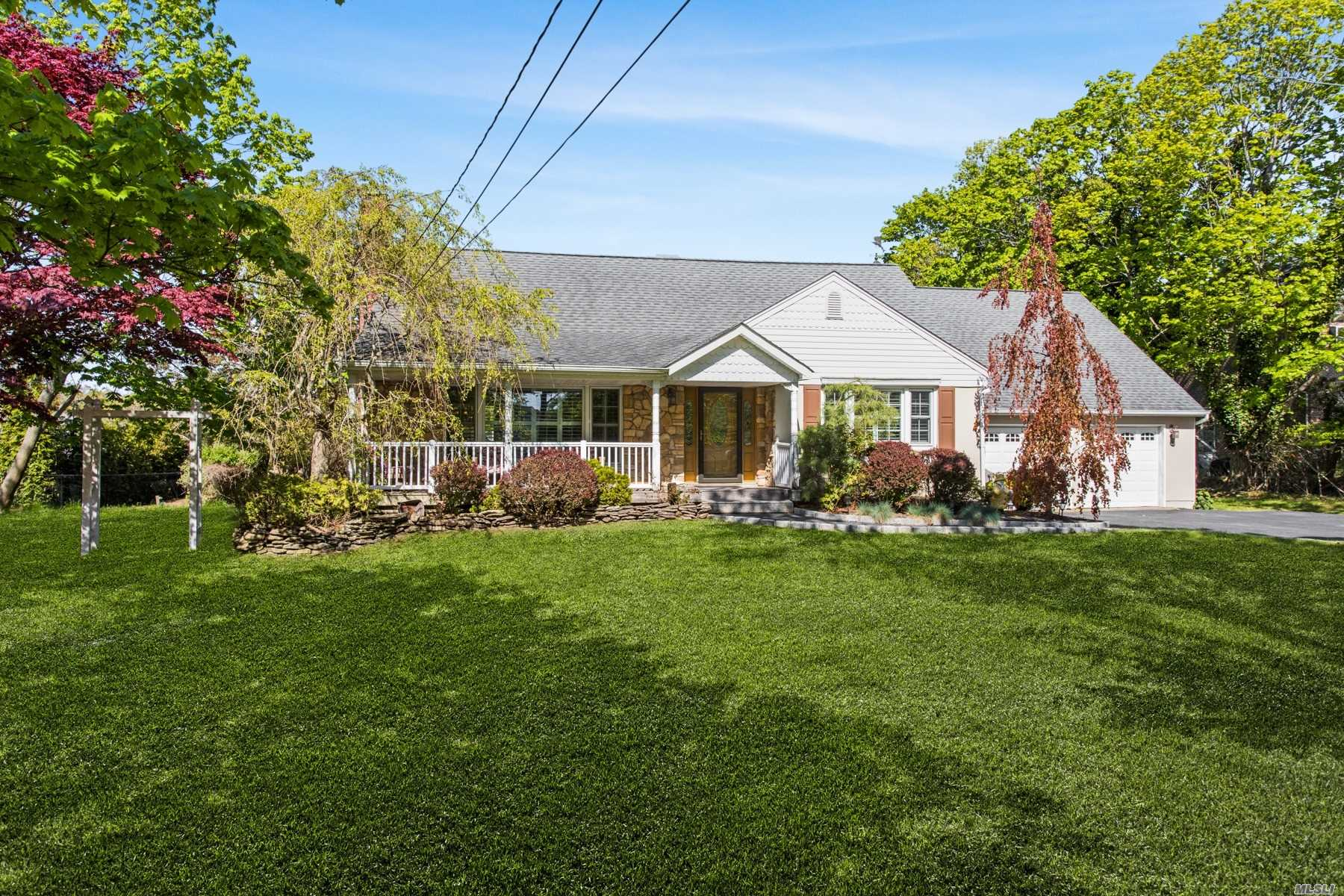 Residential For Sale in 128 Senix Avenue, Center Moriches, NY ,11934