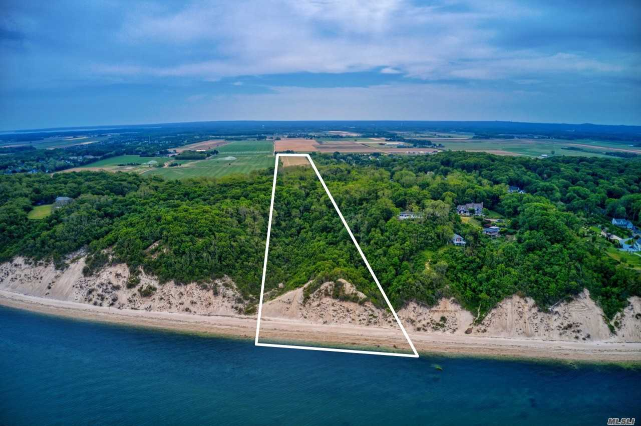 Land for sale in 3544 Sound Avenue, Riverhead, NY ,11901