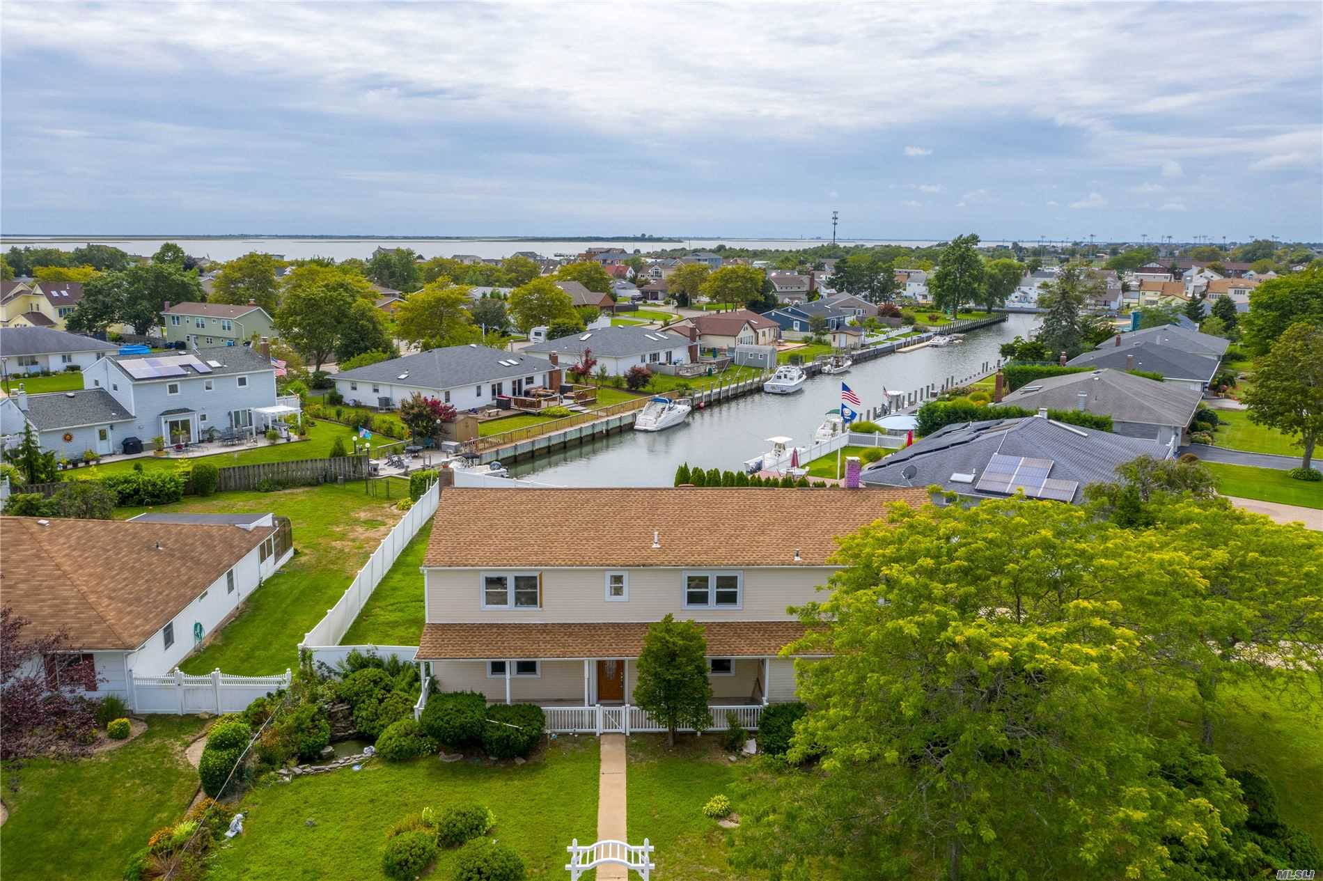 Residential For Sale in 110 Schooner Lane, Copiague, NY ,11726