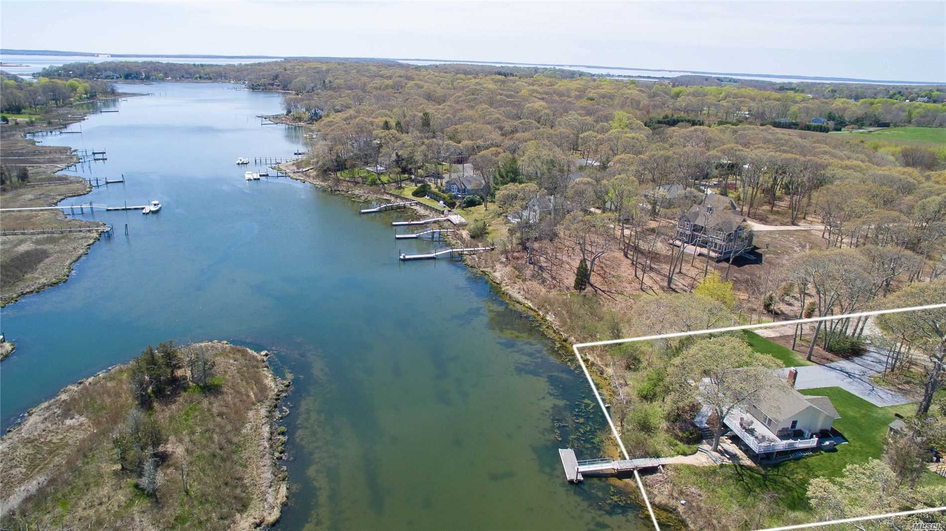 Residential For Sale in 1465 Harbor Ln, Cutchogue, NY ,11935