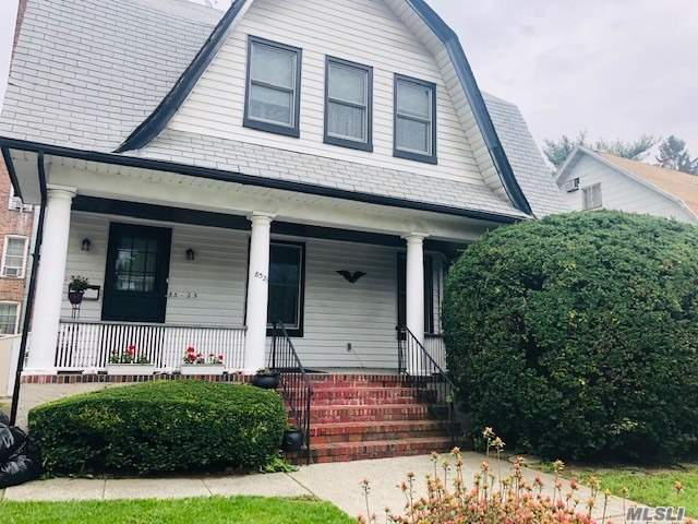 Residential For Sale in 85-25 117th Street, Richmond Hill N., NY ,11418