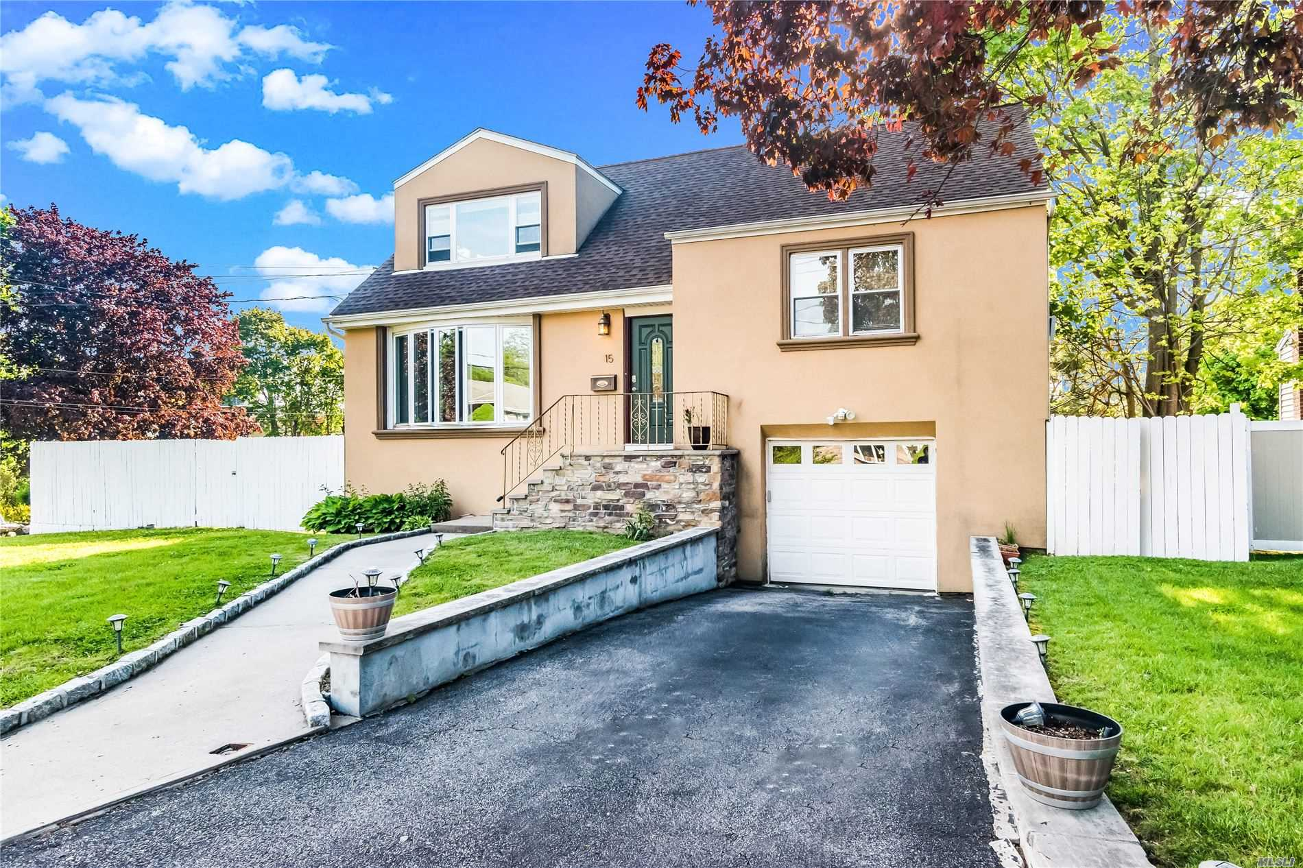 Residential For Sale in 15 Brandt Terrace, Yonkers, NY ,10710