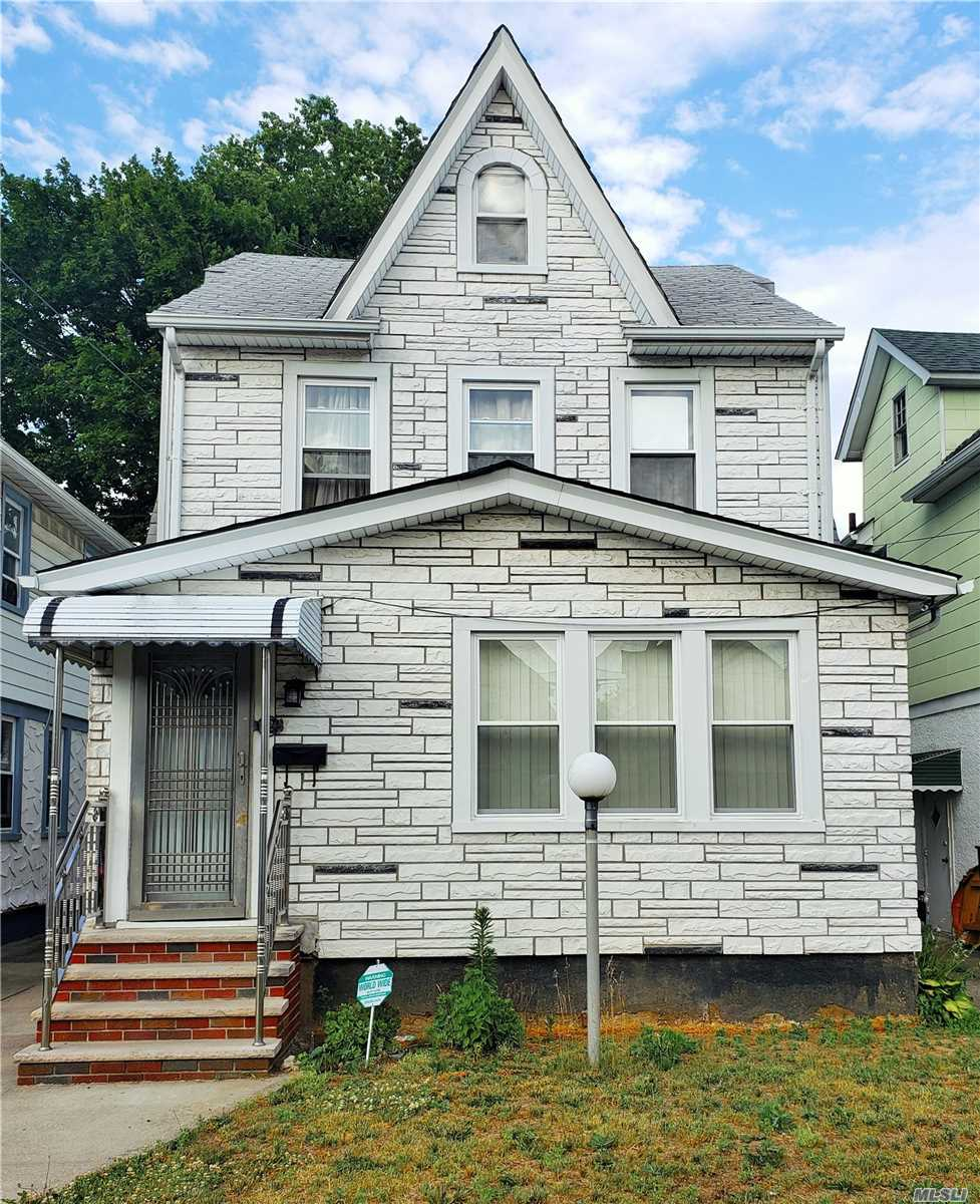 Residential For Sale in 111-25 202nd Street, St. Albans, NY ,11412