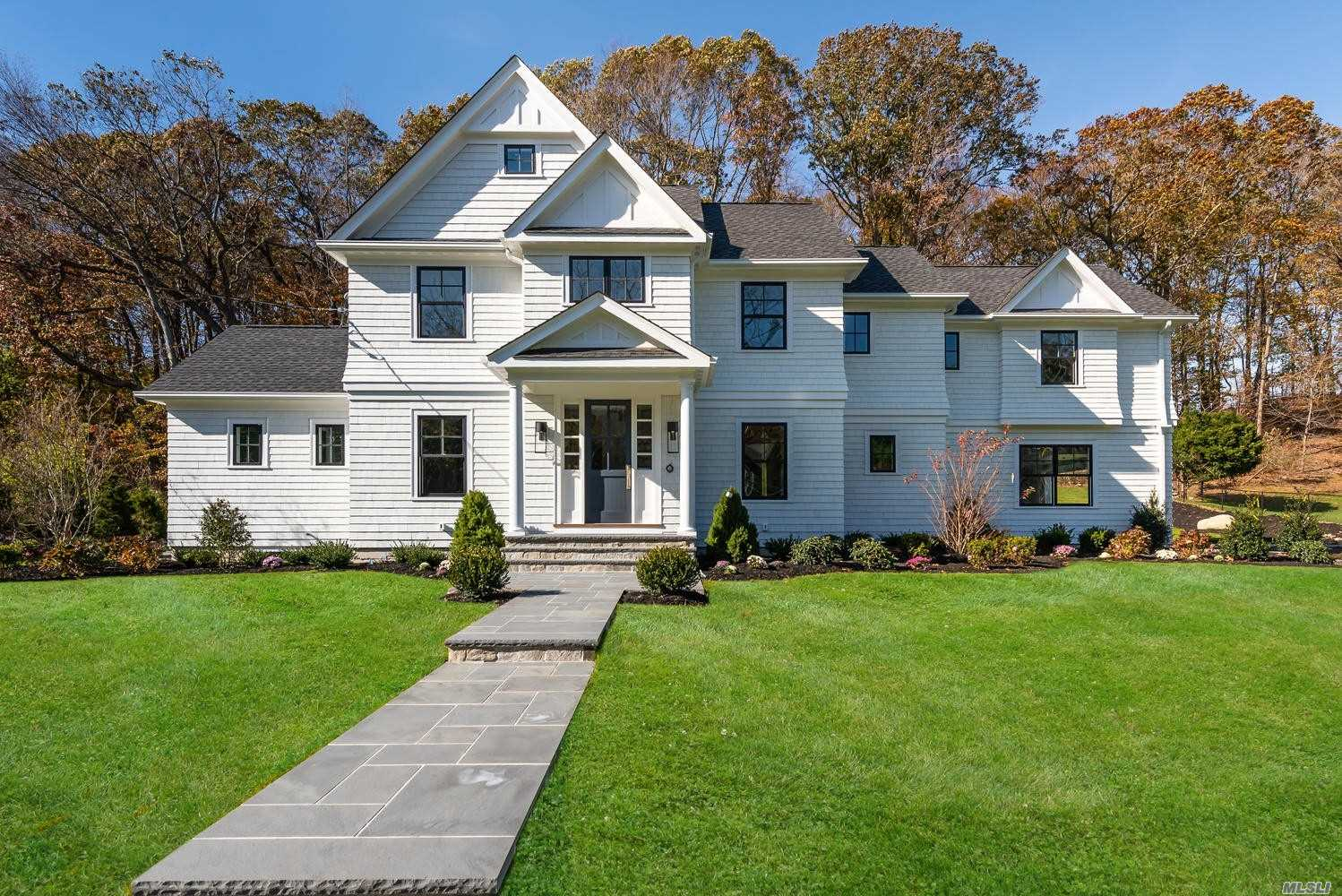 Residential For Sale in 5 Goose Hill Road, Cold Spring Hrbr, NY ,11724