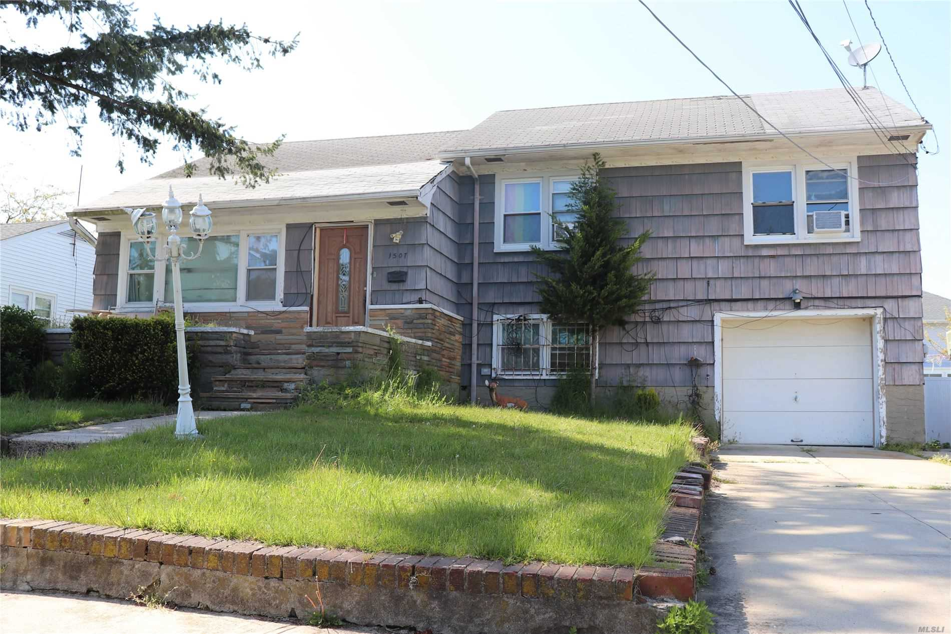 Residential For Sale in 15-07 Egmont, Far Rockaway, NY ,11691
